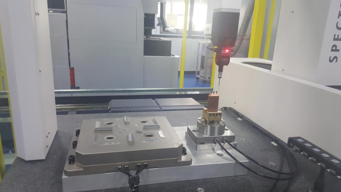 Apply to checking tolerance on Coordinate measuring machine